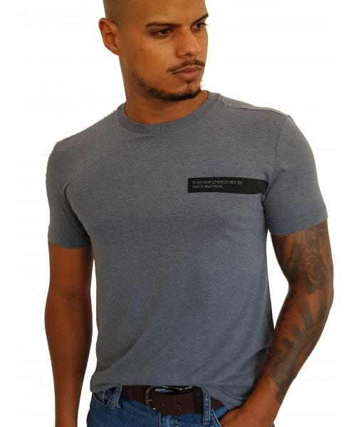 Camiseta  Calvin Klein com frase - Cinza