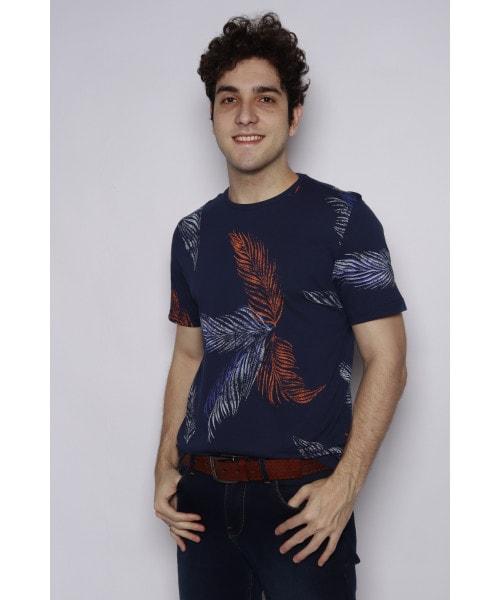 Camiseta Floral com o fundo Azul marinho